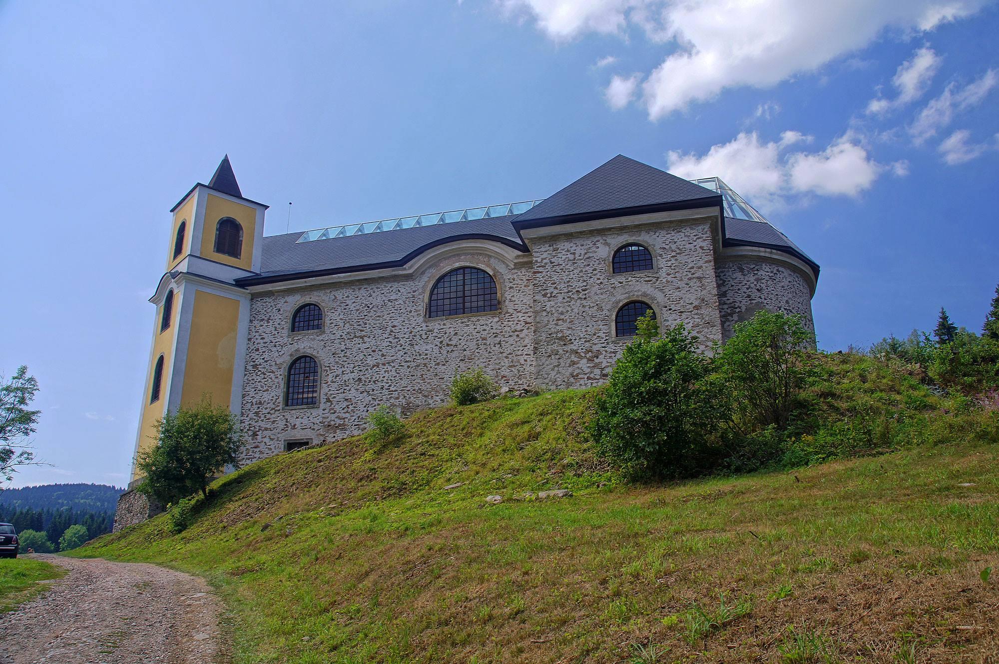 Kościół w Neratovie